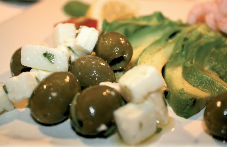 Avocado med rejer og marinerede fetatern
